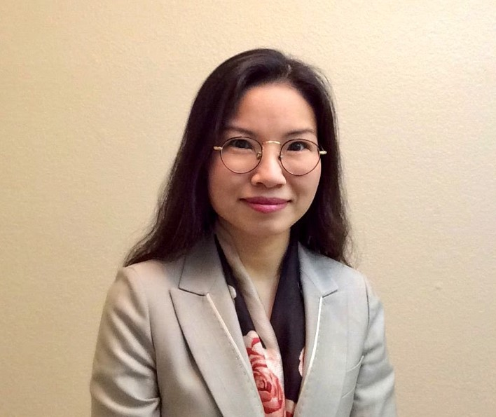 Lake Oswego welcomes new chemistry teacher Mrs. Lim